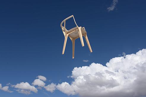 Eutopía: la silla de Francisco Gómez Paz pesa apenas 1800 gramos y no lleva tornillos