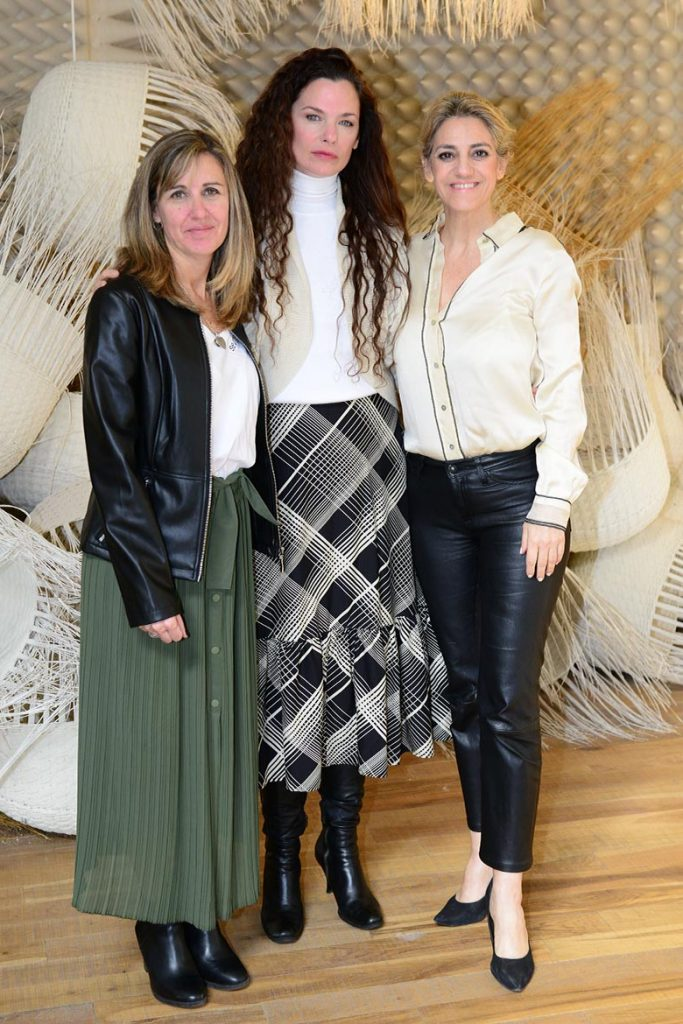 Valeria Polacsek, Directora de PuroDiseño, Luisa Norbis, mentora de PuroDiseño, y María Pía Cardoso Magri, presidente de Fundación Patagonia Flooring celebraron esta nueva edición de la Feria.