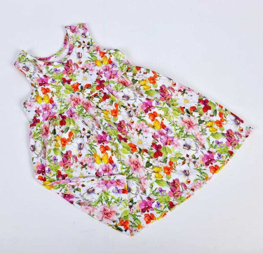 En Mini amme hay ropa para bebés, niños y niñas.