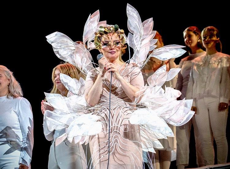 Iris Van Herpen: el diseñador que creó para Björk