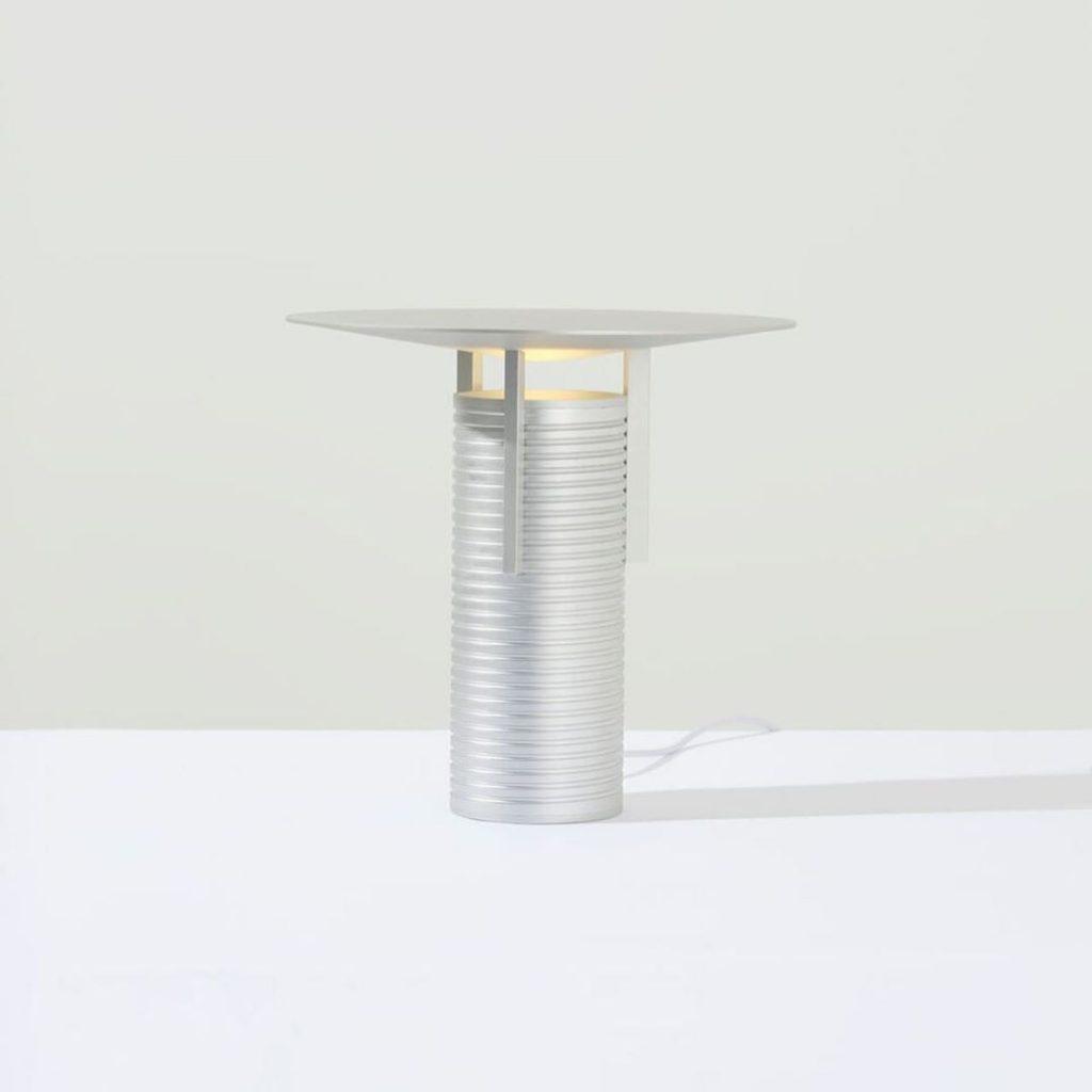 Mesa de Jamie Wolfond. Diseño canadiense