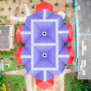Una escuela abierta en Tailandia. Pareid estudio