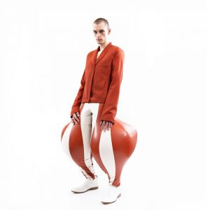 Pantalones inflados.Harikrishnan