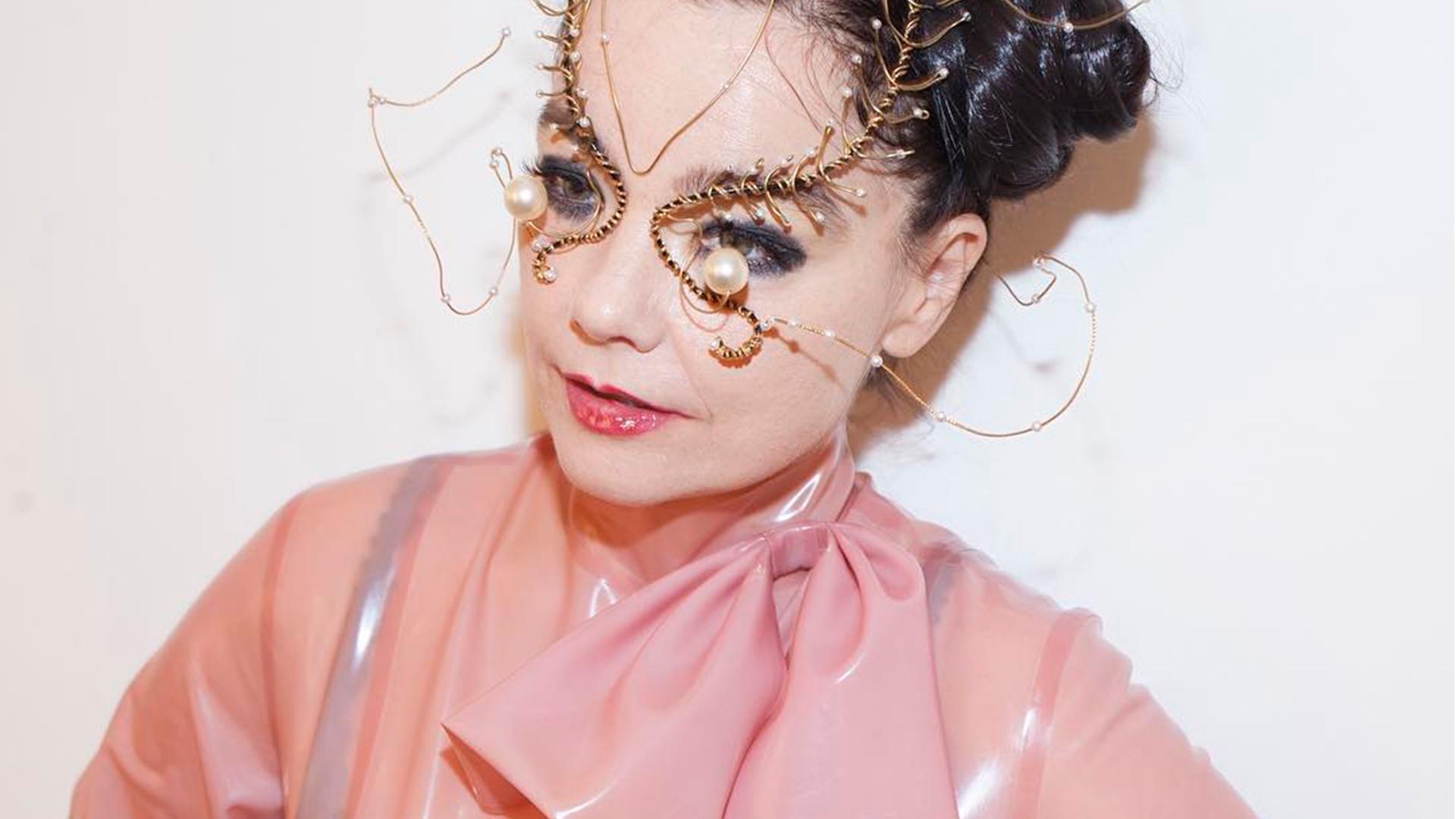 Los diseñadores que crearon para Björk