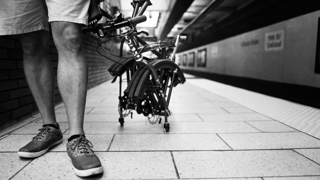 Bicicleta con ruedas plegables. Tuck bike