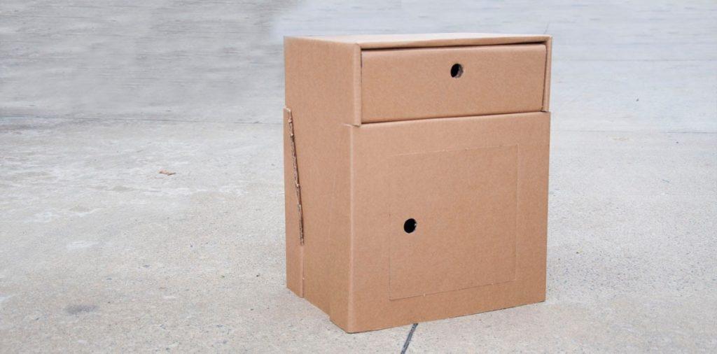 Covid 19. Muebles sanitarios de cartón