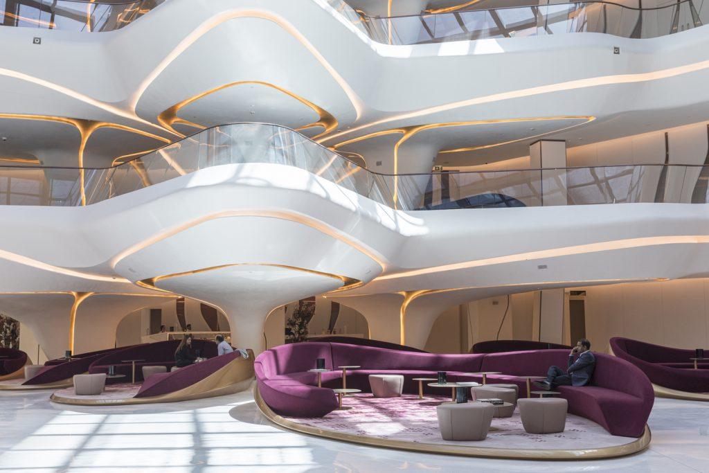 Zaha Hadid. Me by Melia-. Hotel en Dubai