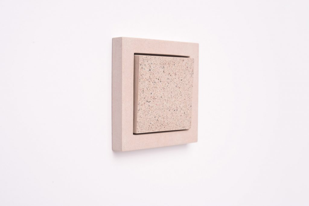 Enchufes de cemento. Sekhin