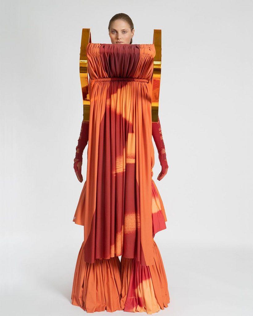 Jessan Macatangay. Colección con sillas