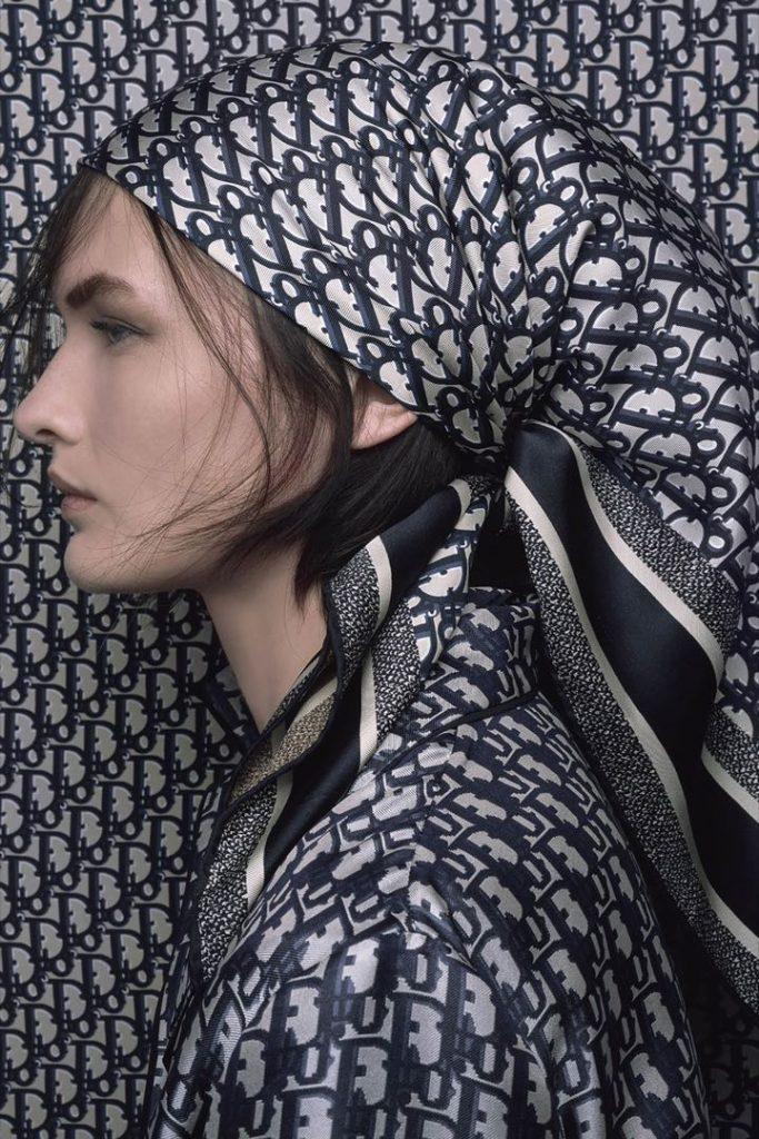 Pañuelos de seda chic y con estilo Dior.