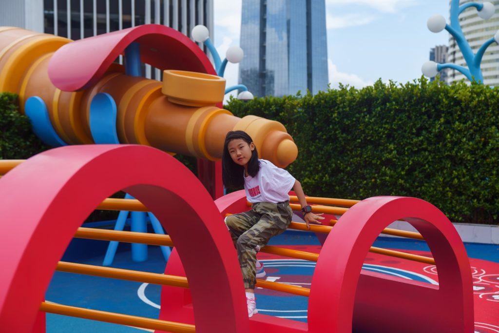 La instalación Octopus Kingdom promueve el juego y el desarrollo infantil.