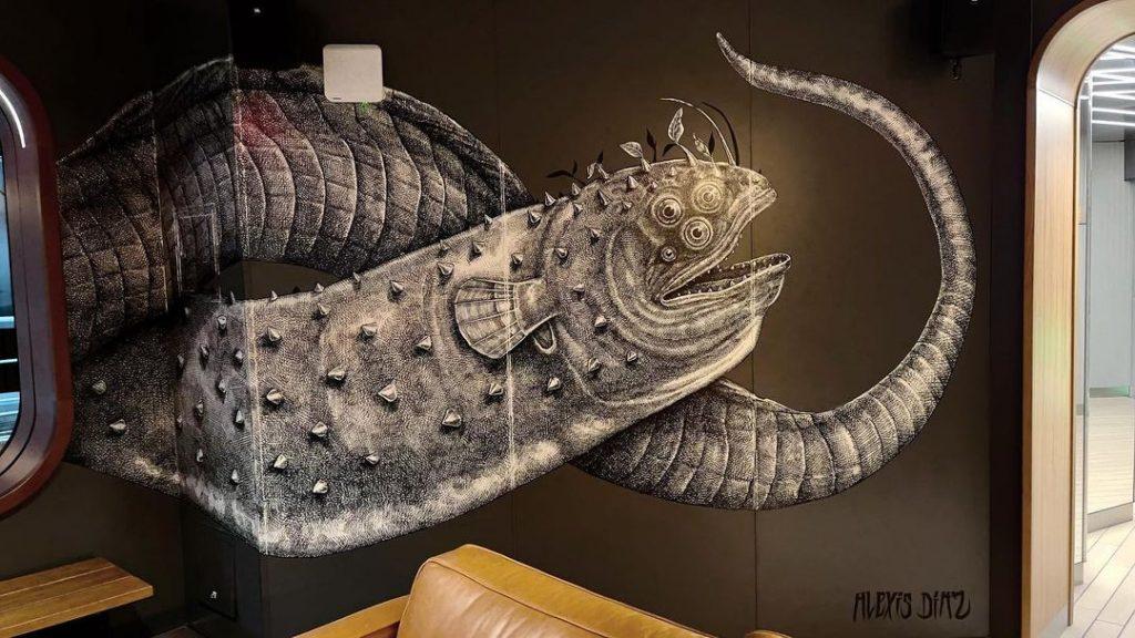 Una criatura marina de Alexis Diaz en el crucero de lujo.