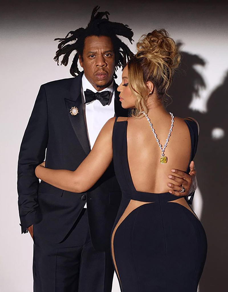 Jay Z con un look tributo a Basquiat y Beyoncé, la nueva reina de Tiffany & Co.