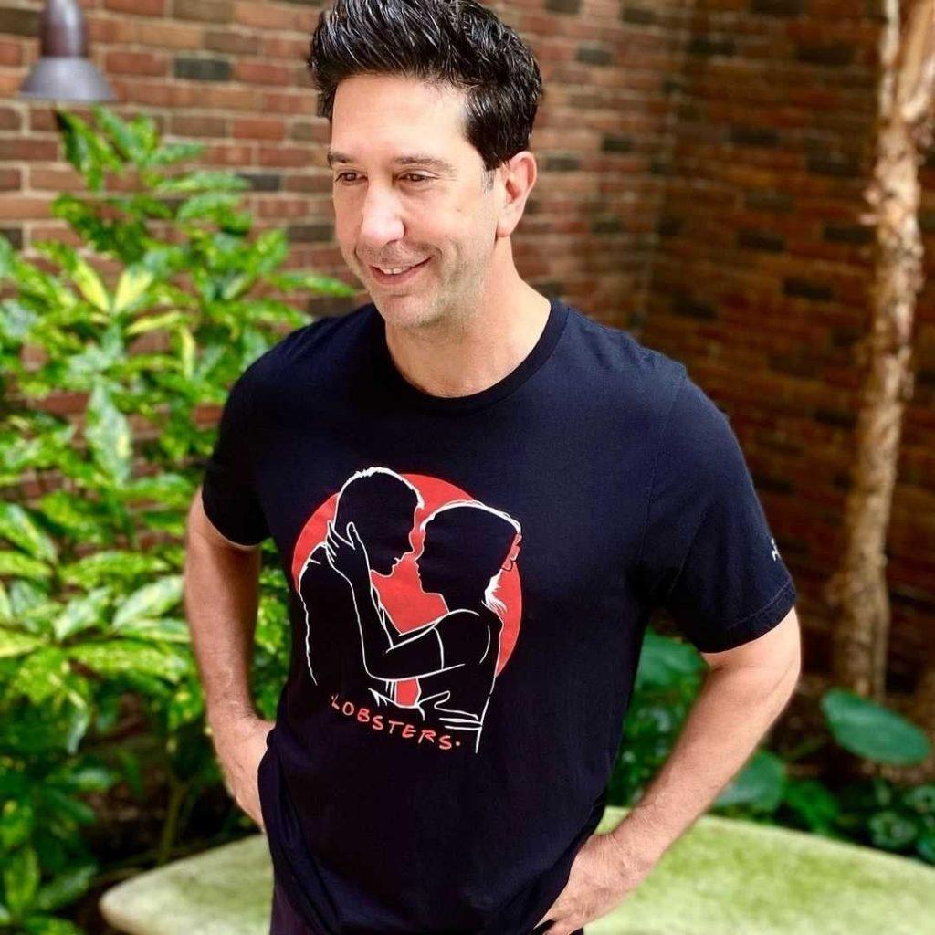 David Schwimmer eligió la imagen del beso de Friends, uno de los más celebrados de la historia de la televisión.