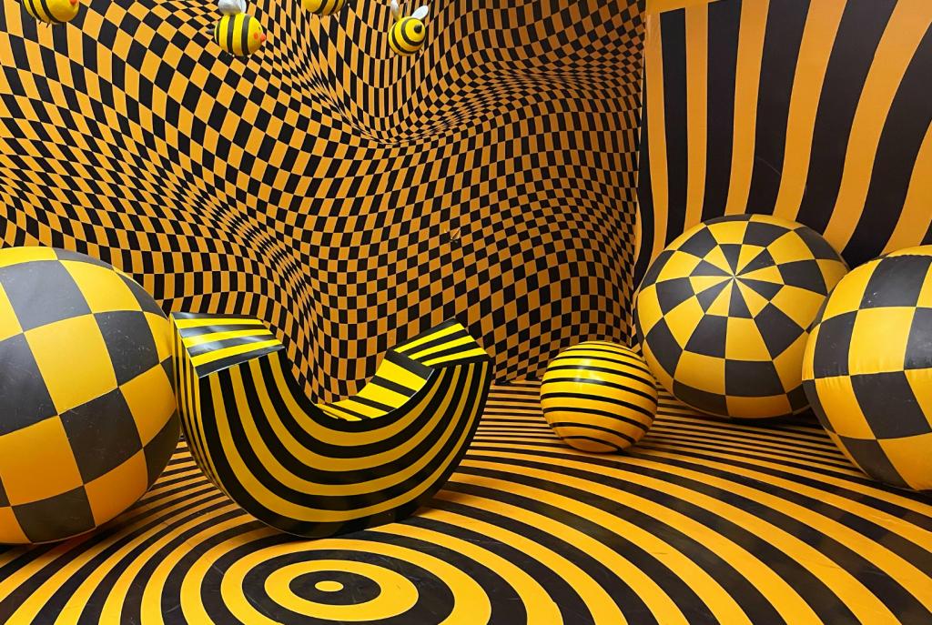 La muestra Happy-Go-Lucky Exhibit en Nueva York desafía los sentidos.