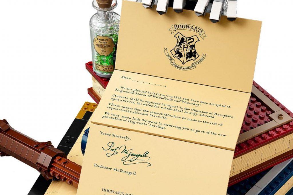 La carta de invitación a Hogwarts, símbolo de la caja exclusiva para coleccionistas de Harry Potter de Lego.
