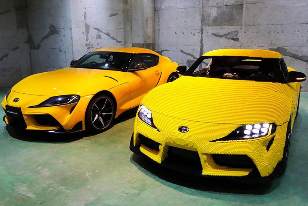 El Toyota Supra junto con su modelo original.