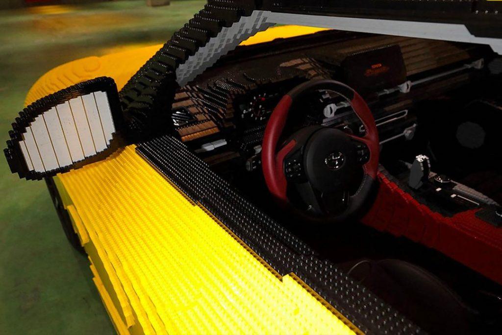 Los bloques de Lego reproducen un Toyota Supra real.