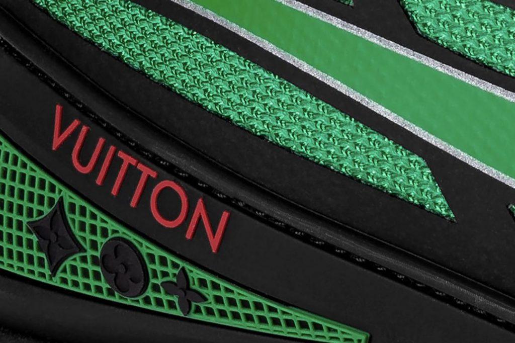 Verde, más negro y rojo, una combinación de colores de alto impacto del sneaker Sprint de Louis Vuitton.