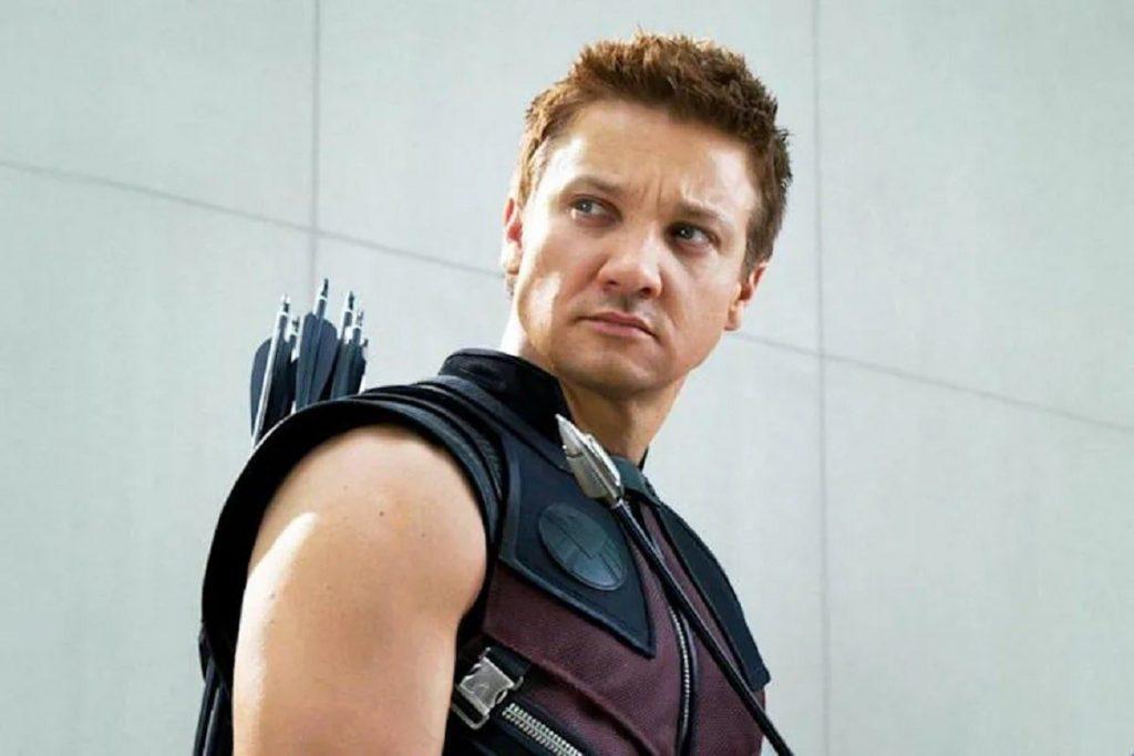 Jeremy Renner interpreta al héroe Ojo de Halcón (Hawkeye).
