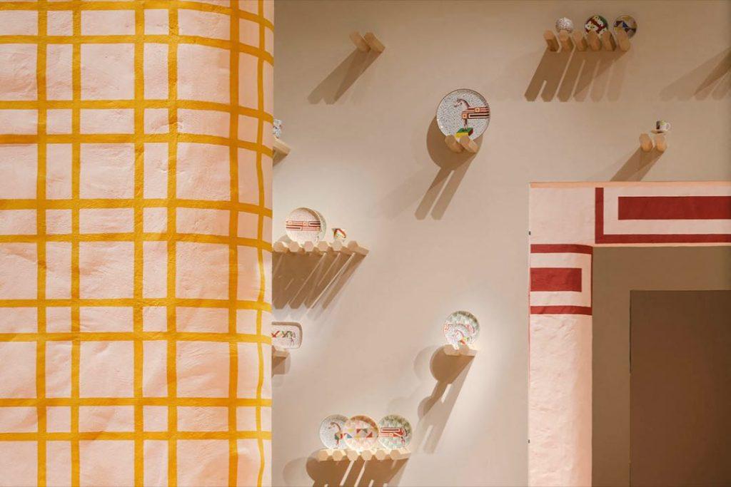 La nueva línea deco de Hermès incluye muebles y objetos funcionales y decorativos.