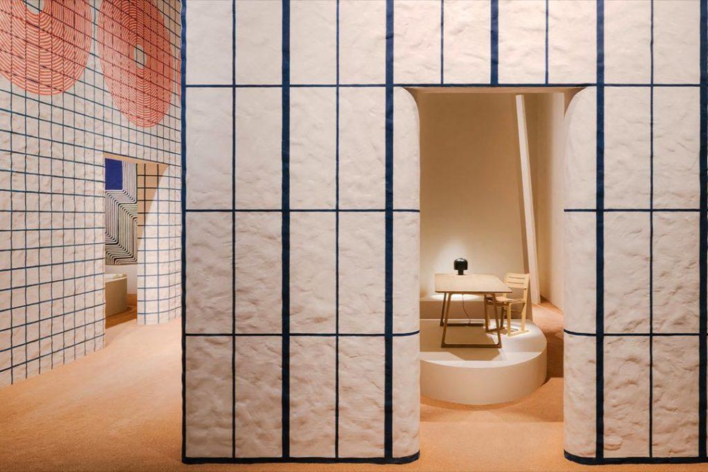 La diseñadora de interiores Charlotte Macaux Perelman diseñó las casas para exhibir la colección de Hermès para el hogar.