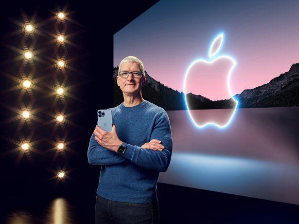 """En el evento """"California Streaming"""", el CEO de Apple, Tim Cook, presentó el iPhone 13."""