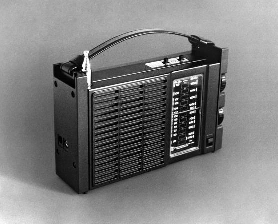 La radio Tonomac, otro ícono del diseño argentino con el sello de Kogan,