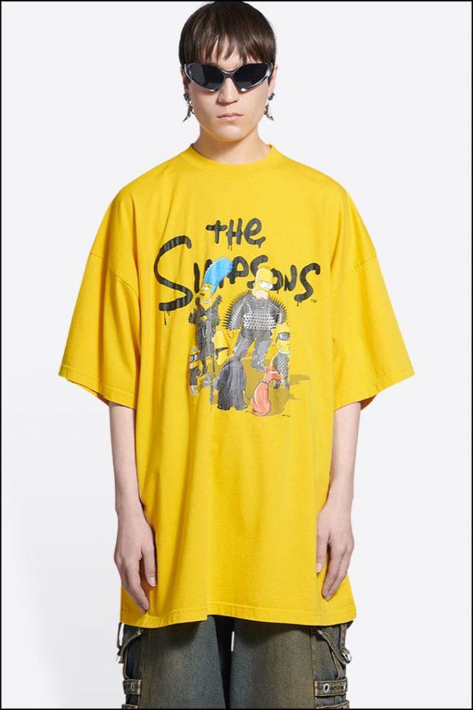 """The Simpsons sobre fondo amarillo... Balenciaga """"simpsonizado"""" al máximo."""